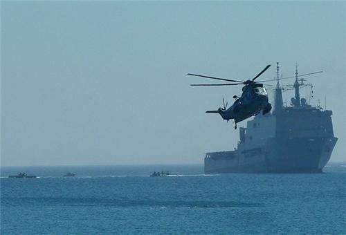 سفن حربية ايرانية وباكستانية