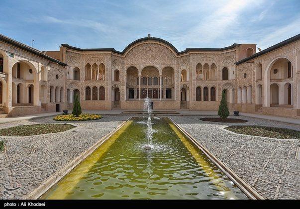 كاشان .. دار الطباطبائيين تحفة معمارية من العهد القاجاري (16)