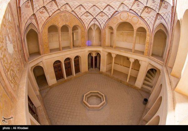 كاشان .. دار الطباطبائيين تحفة معمارية من العهد القاجاري (7)