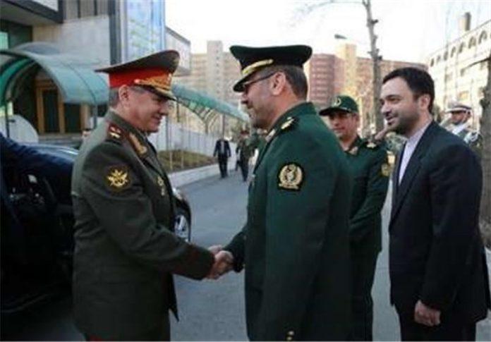 وزير الدفاع الإيراني يصل موسکو للمشاركة في المؤتمر الدولي للأمن