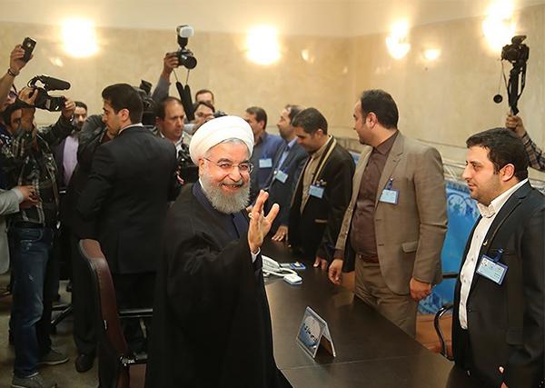 روحاني في وزارة الداخلية للترشح لانتخابات الرئاسة الايرانية