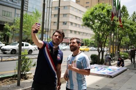 رونالدو وميسي سوياً في إيران!2