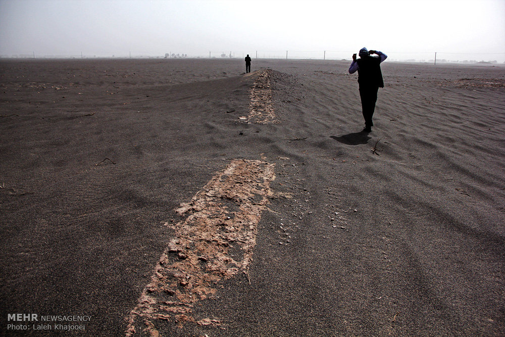 sand storm in southern iran unearths ancient city ifp news