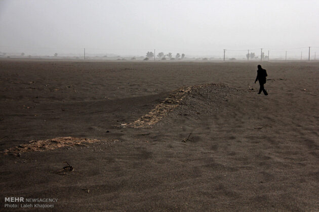 Sand Storm in Southern Iran Unearths Ancient City (24)