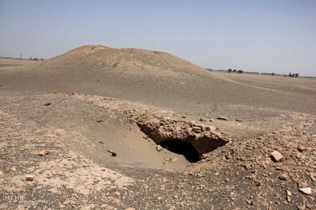 Sand Storm in Southern Iran Unearths Ancient City (3)