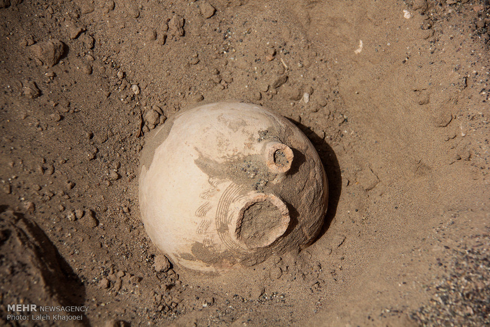 Sand Storm in Southern Iran Unearths Ancient City (6)