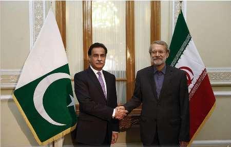لاريجاني لنظيره الباكستاني