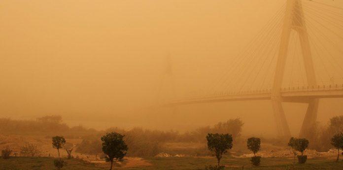 عاصفه ترابیه تجتاح محافظة خوزستان الايراينة