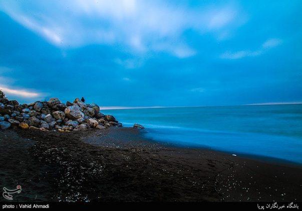 سياح النوروز على ضفاف بحر قزوين2