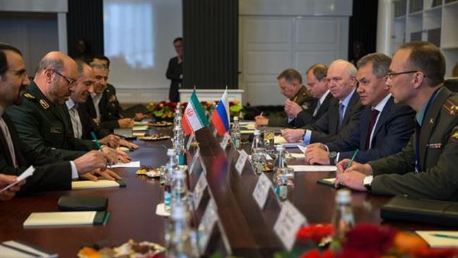 وزيرا الدفاع الايراني والروسي يشددان على ضرورة استمرار الهدنة بسوريا
