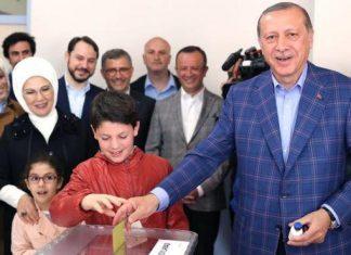 اعلام پیروزی اردوغان در همهپرسی قانون اساسی