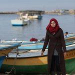 بانوی فلسطینی برای یک لقمه نان دل به دریا میزند!