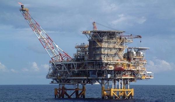 وزير النفط الايراني .. الروس يطمحون بتطوير حقل غازي في الخليج الفارسي