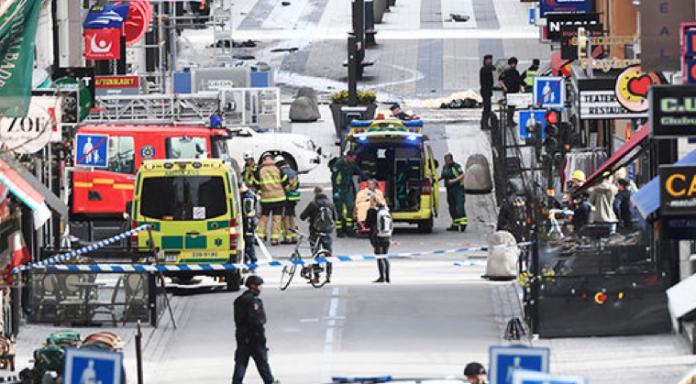 روزنامه سوئدی: حرکت خودروها را ممنوع کنید تا حمله تروریستی نشود!