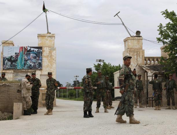 140 کشته در حمله طالبان به پایگاه ارتش افغانستان