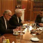 ظريف يلتقي مسؤولين كبار في اليونان