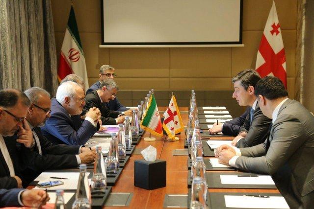 وزير الخارجية الايراني يلتقي كبارالمسؤولين الجورجيين في تبليسي