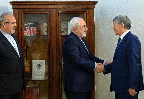 وزير الخارجية الايراني - رئيس الجمهورية القرغيزي