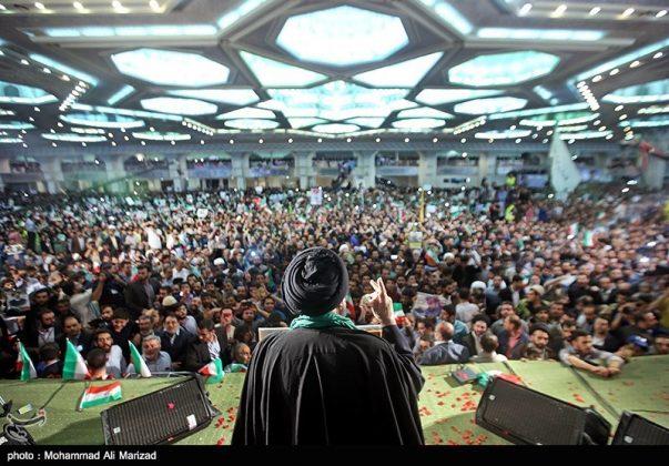 المرشح رئيسي بين أنصاره في طهران