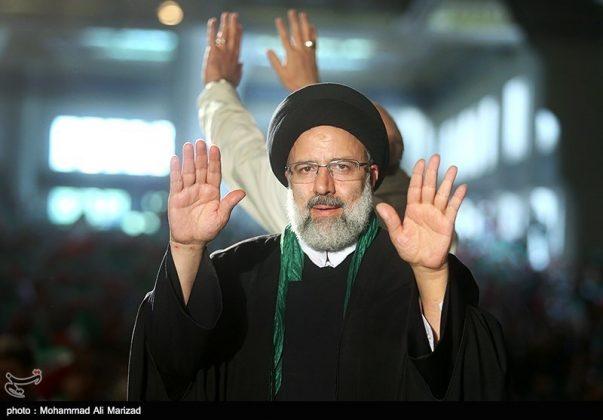 المرشح رئيسي بين أنصاره في طهران 14