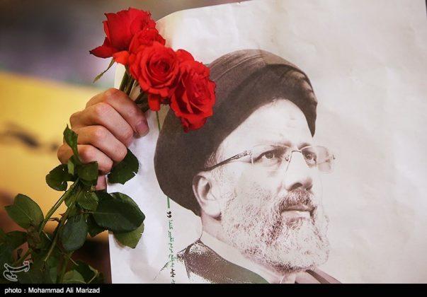 المرشح رئيسي بين أنصاره في طهران 17