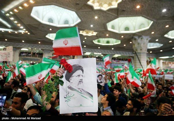المرشح رئيسي بين أنصاره في طهران 19