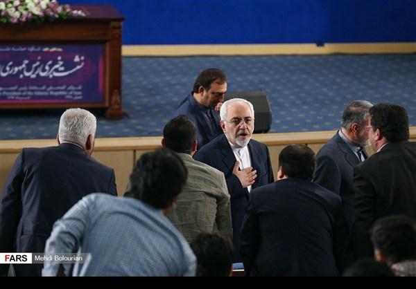 اول اطلالة صحفية للرئيس روحاني بعد فوزه بولاية ثانية2