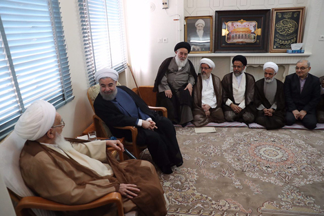 الرئيس روحانی يطلع مراجع الدین على خطط حكومته الاقتصادية 2