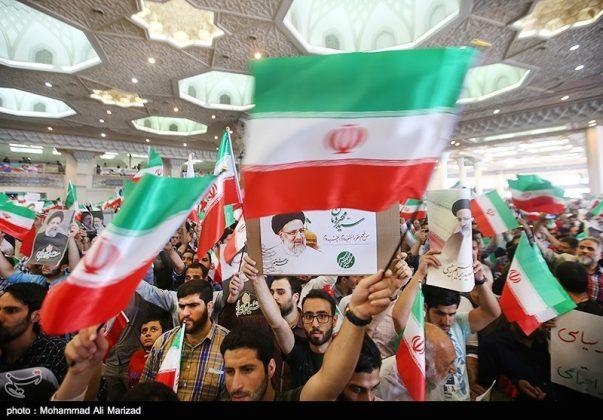 المرشح رئيسي بين أنصاره في طهران 22
