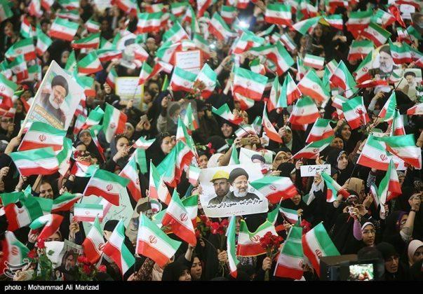 المرشح رئيسي بين أنصاره في طهران 23
