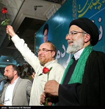 المرشح رئيسي بين أنصاره في طهران 25
