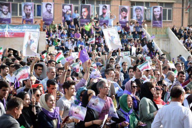 حسن روحاني في ضيافة أهالي مدينة أهواز 3