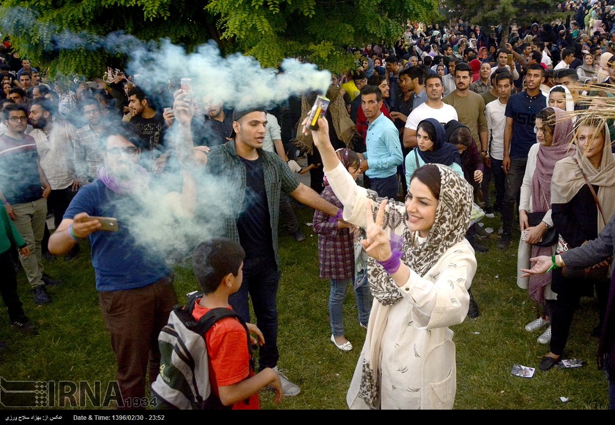Iranian People Flock To Streets Celebrate Rouhani Rsquo S Re