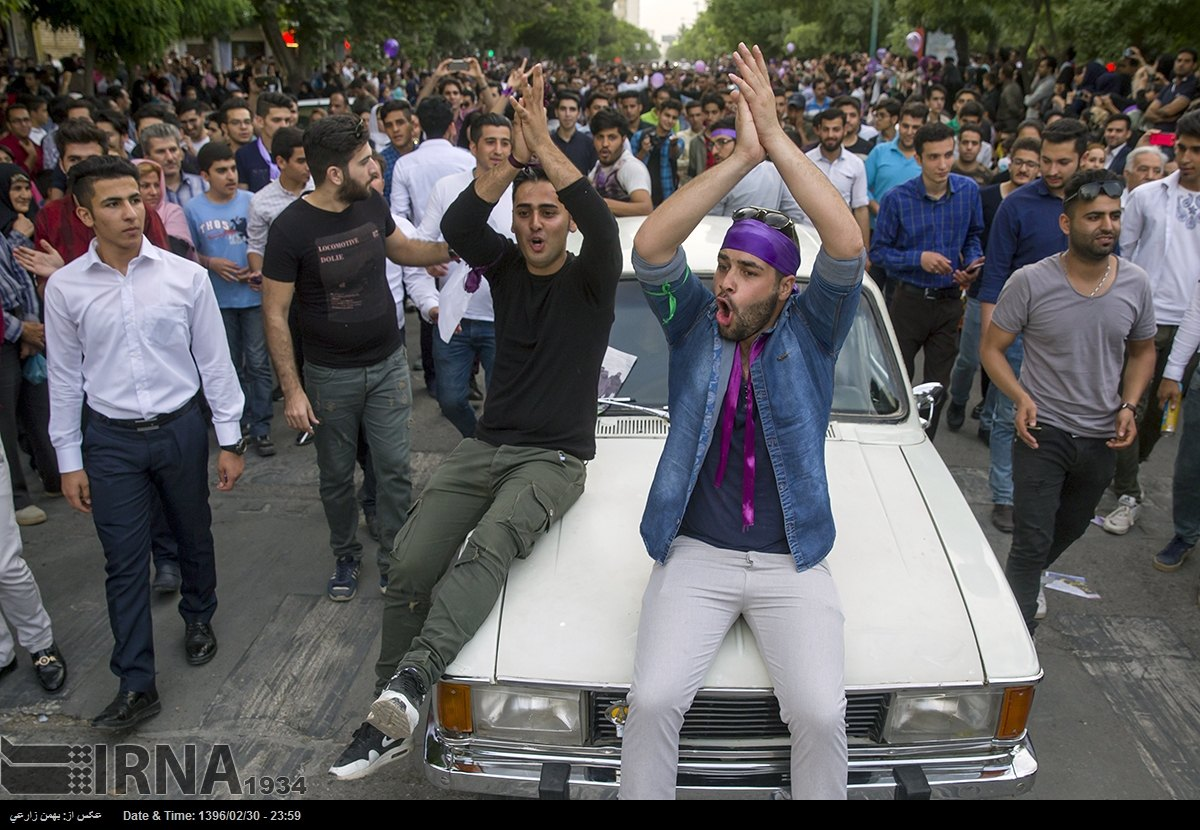 Iranian People Flock to Streets to Celebrate Rouhani's Re-Election