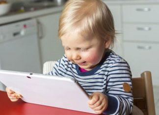 آثار زیانبار گوشیهای هوشمند بر گفتار کودکان