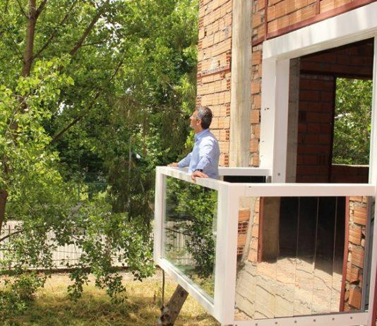 ايران .. تصميم شرفة قابلة للطي خاصة بالابنية السكنية