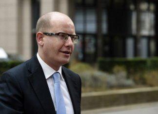 استعفای دولت چک به خاطر تخلف مالیاتی وزیر دارایی
