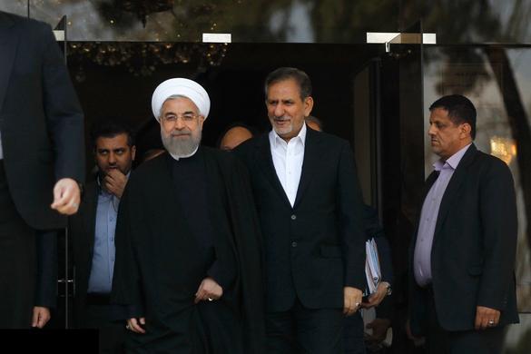 جهانغيري ينسحب لصالح روحاني من السباق الرئاسي