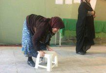 الرئيس روحاني يلتقي اليوم اكبر معمرة شاركت في الانتخابات