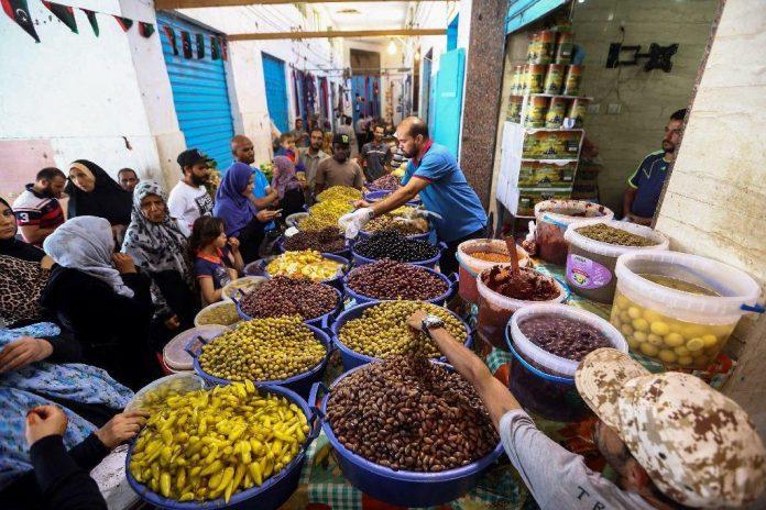 مسلمانان لیبی ماه رمضان را به سختی میگذرانند