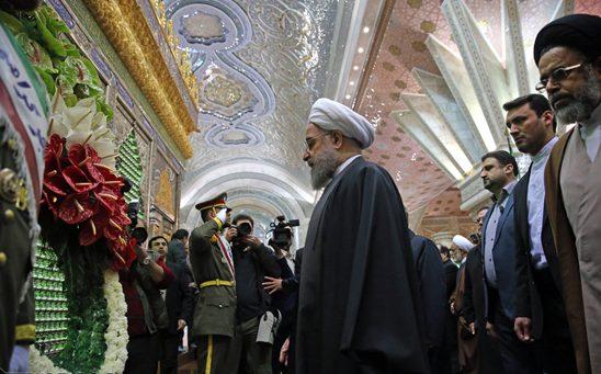 الرئيس روحاني واعضاء الحكومة يجددون العهد مع الامام الخميني