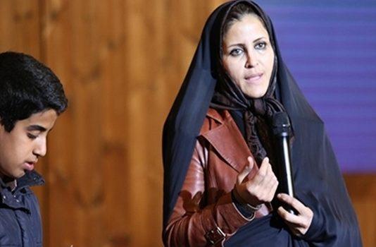 ثريا .. معلمة ايرانية ترعى 1100 تلميذ