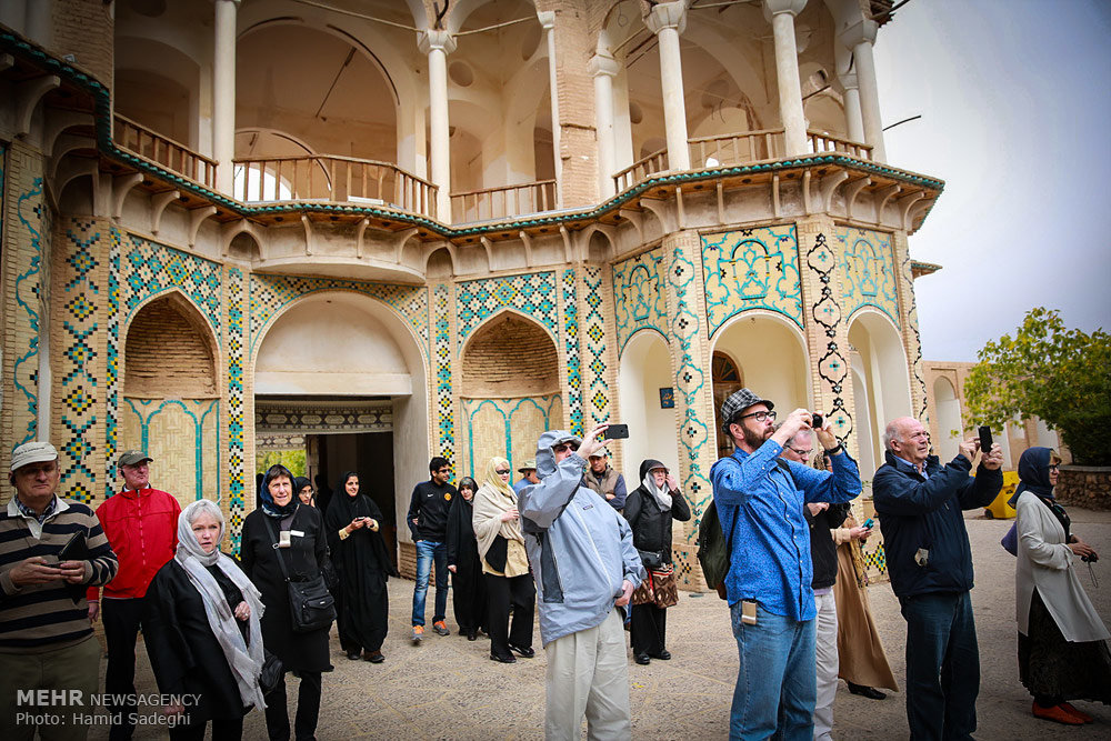 Iran to Allocate $250,000 to Make up for Tourism Industry Losses