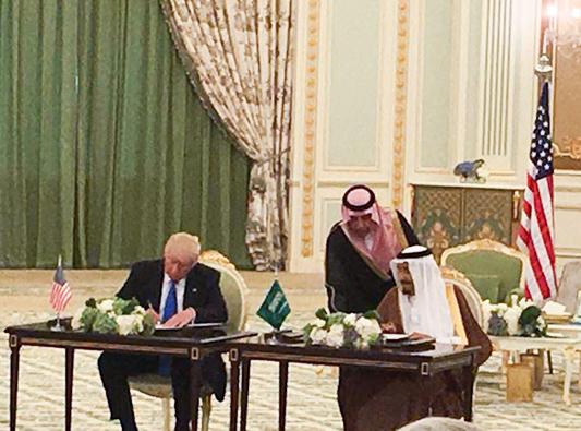 نائب برلماني: عقد صفقات عسكرية مع امريكا أكبر خطأ يرتكبه العرب