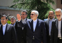 FM Zarif Vows to Protect Iranian Expats' Votes in Iran Elections