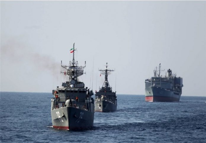 سفينتان حربيتان ايرانيتان تبحران الى سواحل عمان