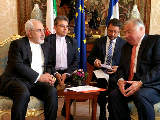FM Zarif Holds Talks with French Senate President