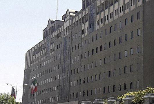 اطلاق النار فی احد اروقة البرلمان الايراني