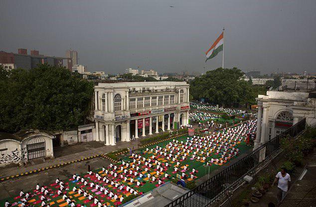 برگزاری مراسم روز جهانی یوگا در بیش از ۱۰۰ کشور جهان10