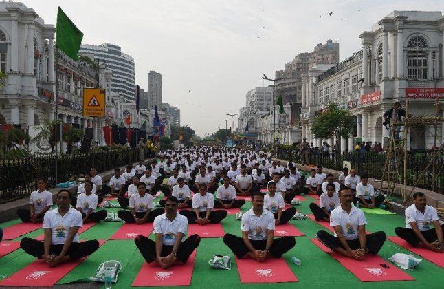 برگزاری مراسم روز جهانی یوگا در بیش از ۱۰۰ کشور جهان11